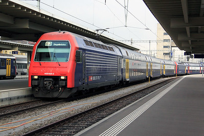 450 025 at Zurich Hb on 15th September 2009