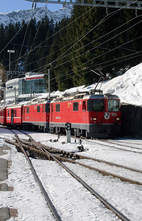 RhB, 625 & 616 at Arosa on 19th February 2008 (2)
