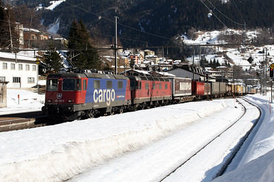 420 169 & 11678 at Airolo on 15th February 2008