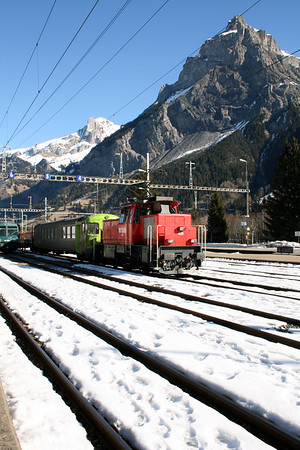 BLS, 402 at Kandersteg on 14th February 2008 (2)