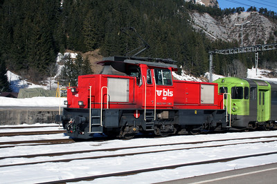 BLS, 402 at Kandersteg on 14th February 2008 (1)