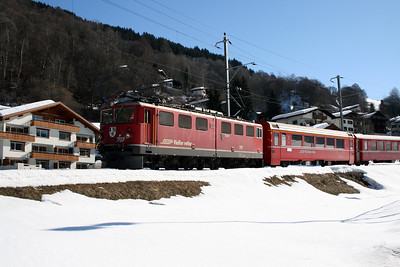 RhB, 707 at Klosters Dorf on 16th February 2008 1117