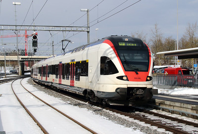 523 032 at Sursee on 15th February 2013 working RE3571 1206 Olten to Luzern