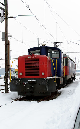 1) 232 110 (98 85 5232 110-7 CH-SBBC) at Oensingen on 15th February 2013