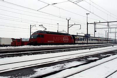 460 010 at Oensingen on 15th February 2013 working IR2118 ???? Konstanz to Biel/Bienne