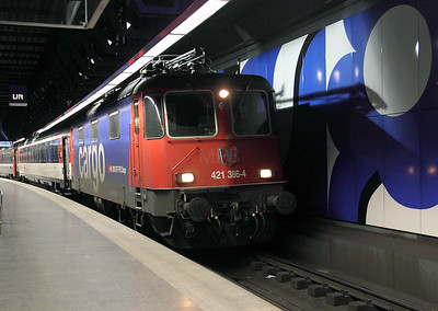 421 386 at Zurich Airport on 18th January 2011 working EC197 1816 Zurich HB to Munich HBF