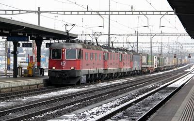1) 11653, 11183, 11238 & 620 069 at Rotkreuz on 26th January 2011