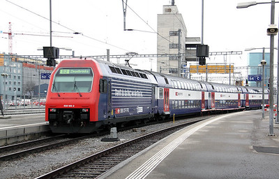 450 105 at Zurich HB on 26th January 2011