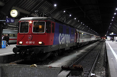 421 387 at Zurich HB on 18th January 2011