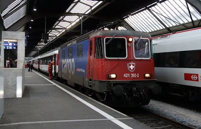 421 392 (91 85 4421 392-2 CH-SBBC) at Zurich HB on 16th January 2014 working IC282