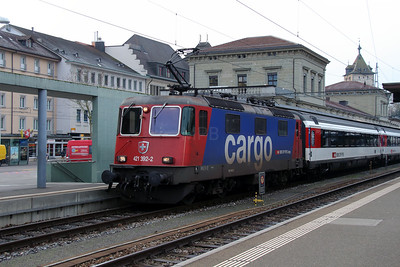 1) 421 392 (91 85 4421 392-2 CH-SBBC) at Schaffhausen on 16th January 2014 working IC282