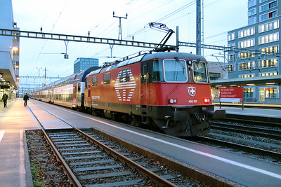 420 202 (91 85 4420 202-4 CH-SBB) at Zurich Altstetten on 17th January 2014