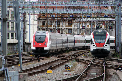 500 005 (94 85 0500 005-9 CH-SBB) at Geneve on 9th May 2014