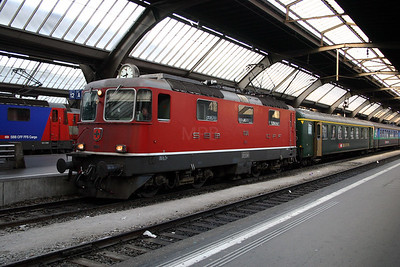 11138 at Zurich Hb on 4th October 2004 (4)