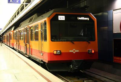 SZU, 556 528 at Zurich Hb on 4th October 2004