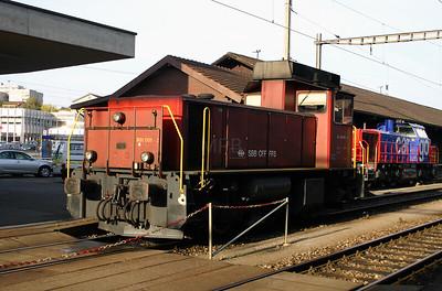 831 001 at Lenzburg on 4th October 2004 (2)
