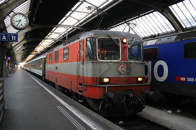 11103 at Zurich Hb on 04th October 2004