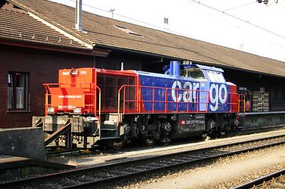 843 051 at Lenzburg on 4th October 2004