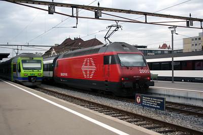 460 081 at Thun on 31st October 2005