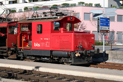BLS, 225 045 at Spiez on 30th October 2005