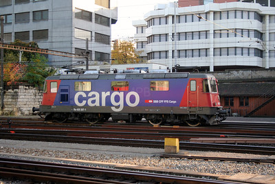 420 307 at Basel Hb on 29th October 2005