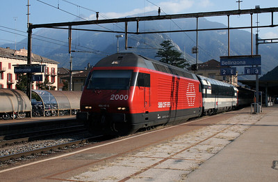 460 117 at Bellinzona on 13th September 2007