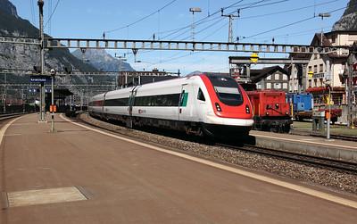 500 024 at Erstfeld on 26th August 2010