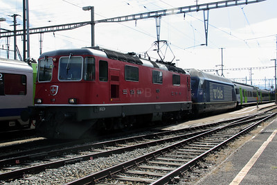 2) 11128 & BLS, 465 007 at Konolfingen on 29th August 2010
