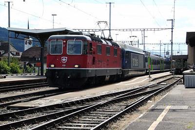 1) 11128 & BLS, 465 007 at Konolfingen on 29th August 2010
