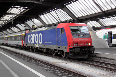 1) 484 020 at Zurich HB on 22nd September 2011