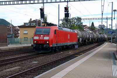DB, 185 118 (91 80 6185 118-7 D-DB) at Liestal on 16th September 2015