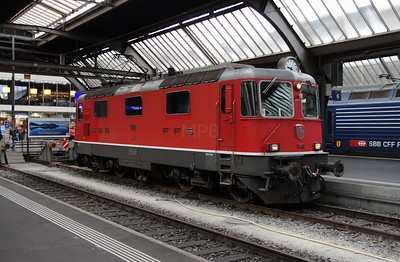 11128 at Zurich HB on 17th September 2015