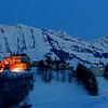 Gruyères winter night scene / Gruyères illuminé en hiver