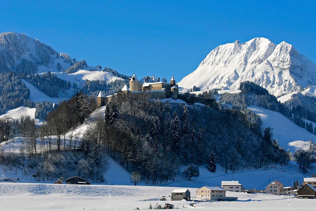 Gruyères in winter / Gruyères en hiver