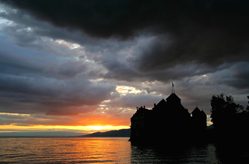Stormy evening at Chillon castle/ Soirée orageuse au château de Chillon