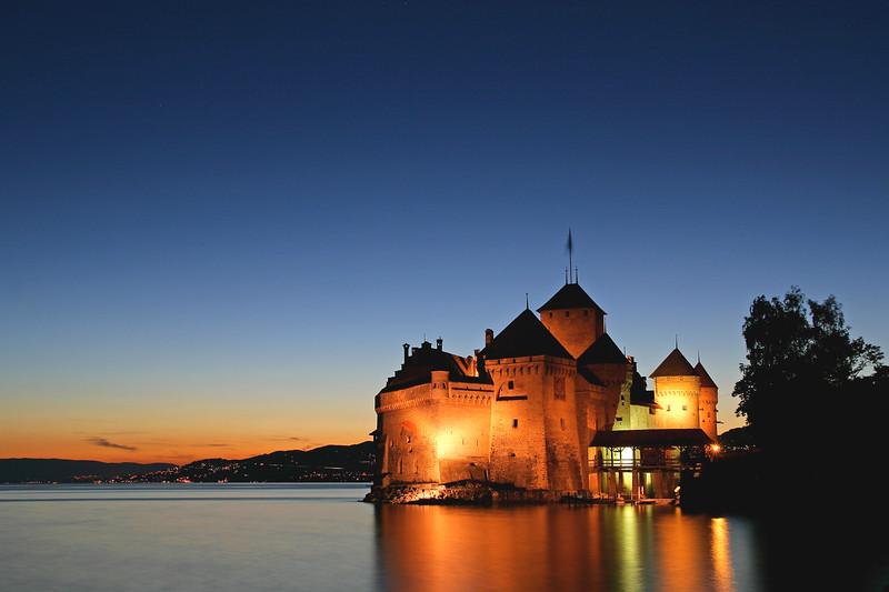 Chillo Castle at night / Château de Chillon de nuit