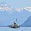 Paddle steamer on Lake Geneva / Bateaux à aubes sur le lac Léman