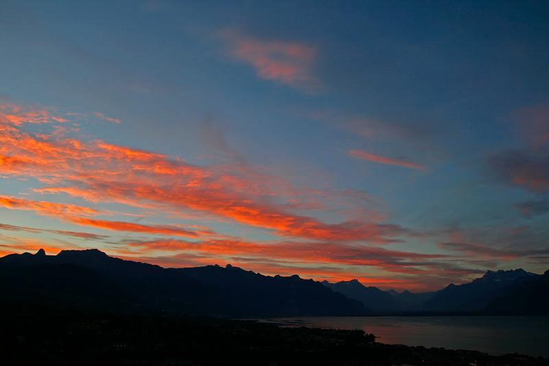 Lake Geneva sunrise / Lever de soleil sur le lac Léman