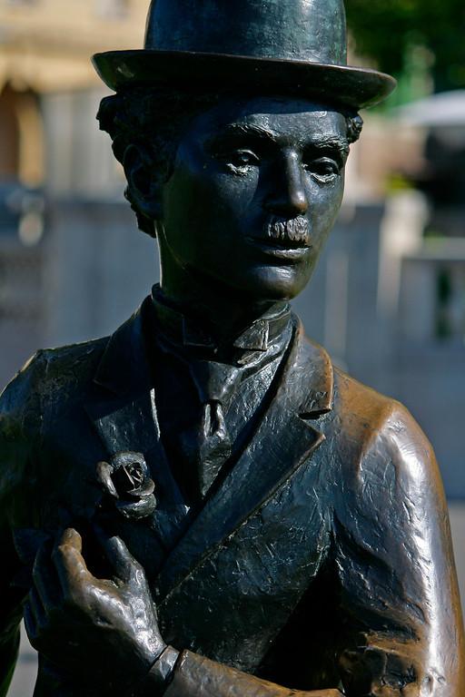 Statue of Charlie Chaplin, Vevey / Statue de Charlie Chaplin, Vevey