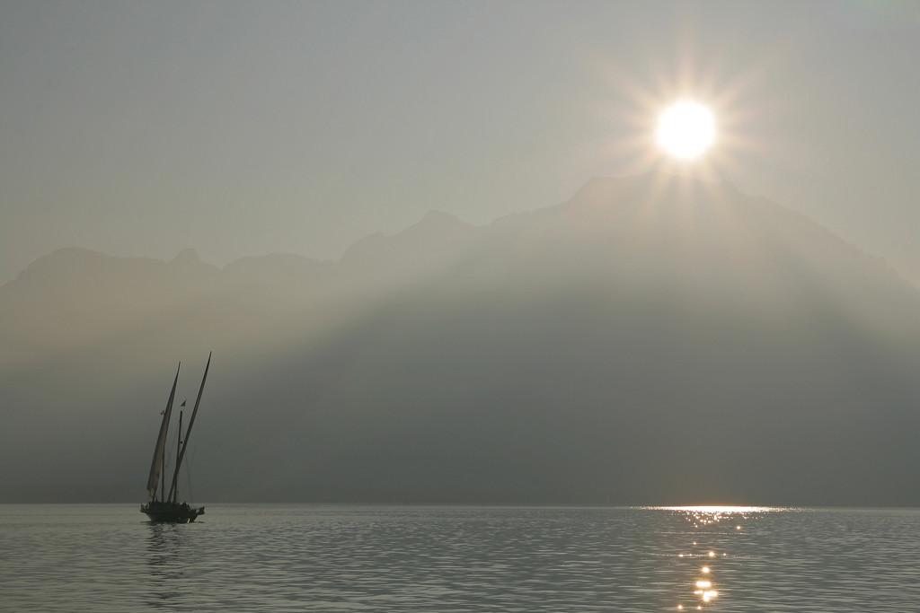 Lake Geneva mist / Brume sur le lac Léman