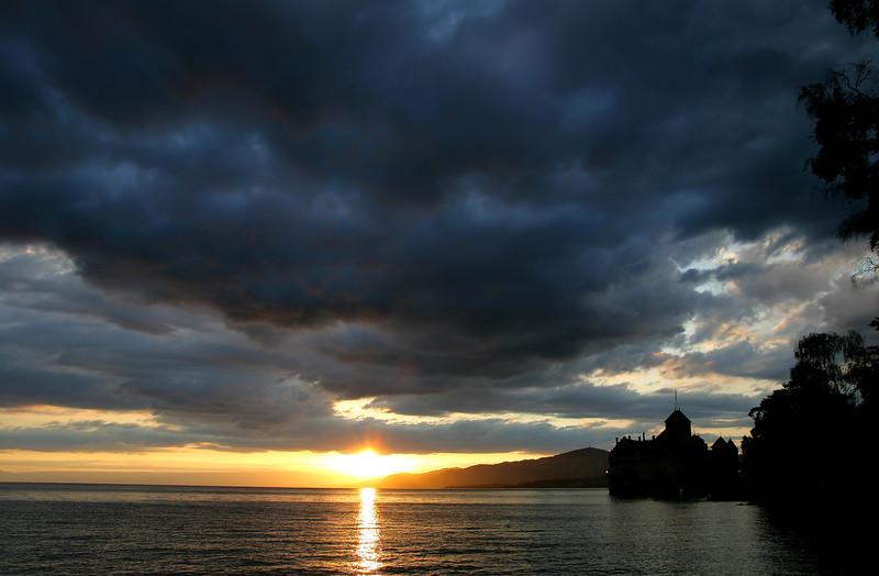Stormy evening at Chillon castle/ Soirée orageuse au château de Chillon