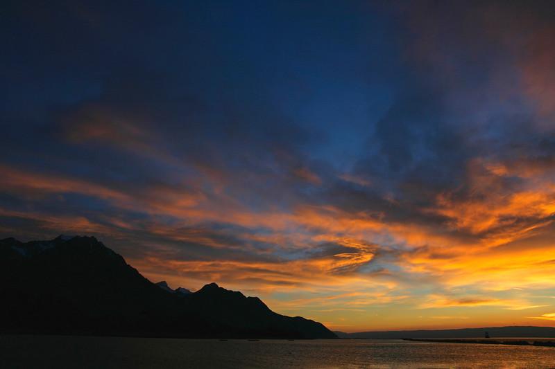 Stormy evening on Lake Geneva / Orage crépusculaire sur le lac Léman