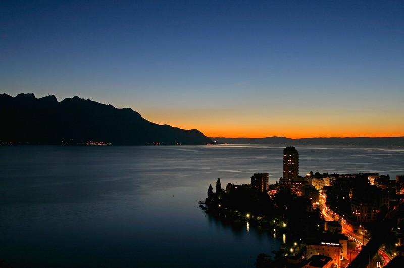 Montreux nightfall / La nuit tombe sur Montreux