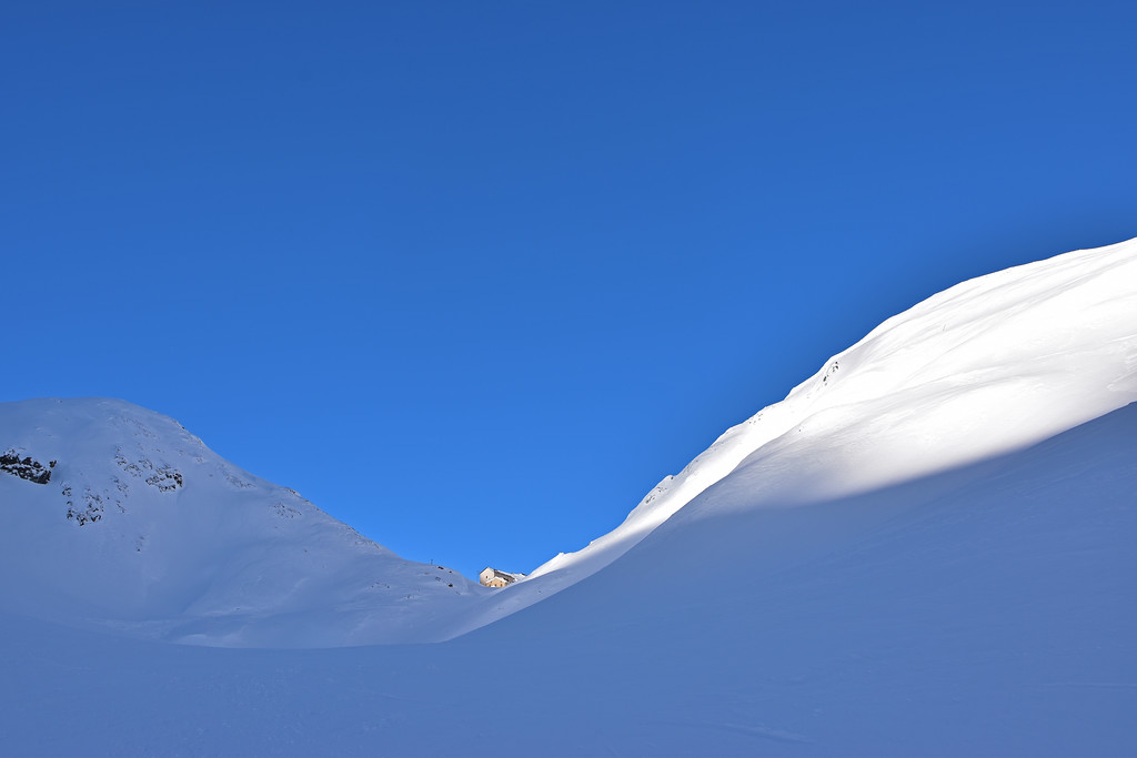 Great St Bernard pass in winter / Col du Grand St Bernard en hiver