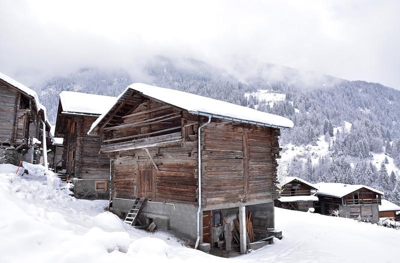 Lourtier, Val de Bagnes, in winter / Lourtier, Val de Bagnes, en hiver