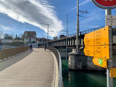 Wanderweg crossing River Aare in Olten.