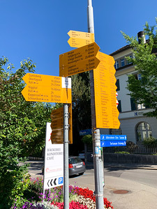 Signs from Wald to Bachtel.