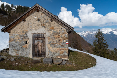An outbuilding of an alpine hut, above Schwanden.