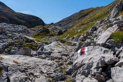 Trail markers guide us up toward the head of the valley, where a berghotel awaits.
