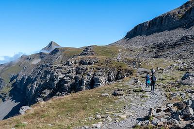 The trail toward Faulhorn's peak slabs up the side of Winteregg ridge, at right.